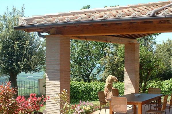 "veranda con tavolo e barbecue ""Quercia"""