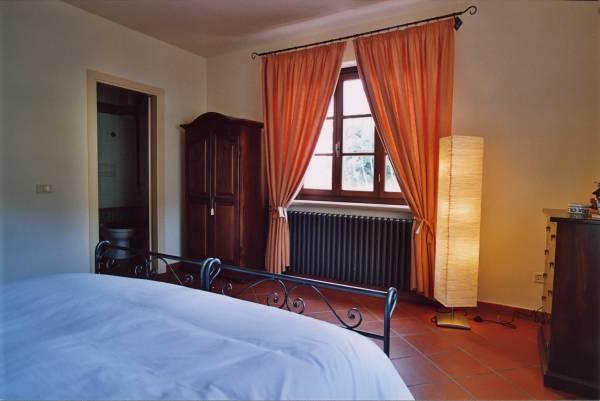 camera matrimoniale con bagno appartamento Quercia